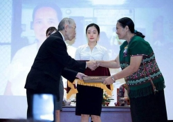 Cynthia Maung 25th Award img3