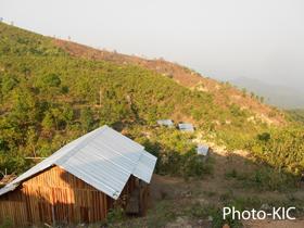 အိုင်ဒီပီများ နေထိုင်ရန် ဆောက်လုပ်ထားသော အိမ်ခြေ